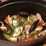 焼鳥 丸屋 - 真鯛と貝とキノコの秋の薫り蒸し
