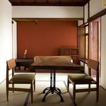 金沢町屋 はっち - 【個室】改装前の姿を残した完全個室です。