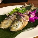 タイ屋台料理ナムワン - 本日の鮮魚の唐揚げスイートチリソースがけ(プラートード)