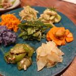 辺銀食堂 - 島野菜のナムル