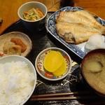 ひと花 - 料理写真:ランチ700円