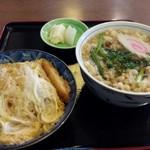 大村庵 - かつ丼セット(たぬきそば)1000円
