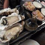 かいのみ - 貝の網焼き(1,980円)+焼き白ハマグリ(2個480円)