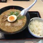 花鳥風月 - 料理写真:和風ごま味噌ワンタンメン780円+半ライス100円