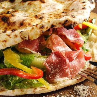 3RDWORDのピザは生地から違う!