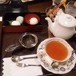 7523711 - クイーンオブセイロン紅茶と菓子膳