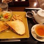 7523716 - オリエンタルアフターヌーン紅茶と本日のサンドイッチ