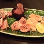 囲炉裏焼肉 鬼29 - 鬼肉29食べ比べ五種盛り+豚タン塩焼き
