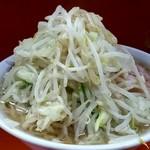 ラーメン二郎 - 料理写真:ラーメン小盛り700円!