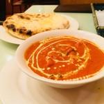 インドキッチン - ベジタブルマッカニーとチーズナン