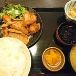 鳥然 海然 - 生姜焼きと唐揚げランチ850円