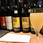 九吾郎ワインテーブル - ナイアガラ 信州塩尻桔梗ヶ原産ブドウ  無濾過 700円 グラス