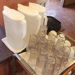 成龍飯店 - 水はセルフサービスです