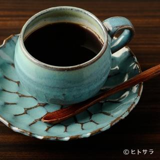 ビール、焼酎、果実酒、日本酒など各種お酒とコーヒーを味わう