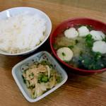 母の屋 - ご飯と味噌汁と漬物
