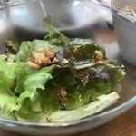 カフェ豆茶 - 野菜サラダ、クルトンの食感がいいですね(2017.10.24)