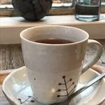 カフェ豆茶 - ドリンクは、ミルク紅茶です、チャイの感覚で選びました(2017.10.24)