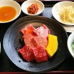 甲子園 牛萬 - 料理写真:特上ロース、特上カルビ、本日のお肉、ご飯、スープ、キムチ、本日の一品