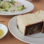 森のレストラン - パスタセットのフォカッチャ