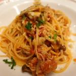 ピッツェリア・サバティーニ - サルシッチャキノコとトマトソースのスパゲッティ