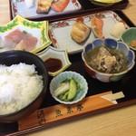 郷土風味 魚来亭 - 料理写真:特上日替わり1200
