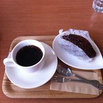 どんぐりの木 コメルサンツ - デザート エクレア コーヒー
