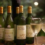 パウロ アンド ボルガ - ドリンク写真:山梨蒼龍ワイナリーから届いたワインがお薦めです