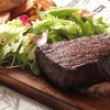 自慢の塊肉ステーキ!