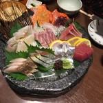 郷土料理かどや - お造り5種&鯛のお造り