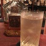 75273810 - 勧めていただいた洋酒(水割り)1杯。