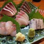 宝山 いわし料理 大松 - 料理写真:刺身盛り合わせ