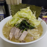 甲子家 - 塩とんこつラーメン+キャベツ(850円)