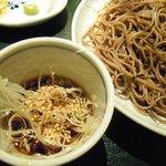 そば処 東京 - ねぎ+胡麻の風味が良い