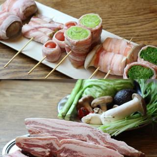 """こだわり!国産品の豚肉を使った""""やさい肉巻き串""""を召し上がれ"""