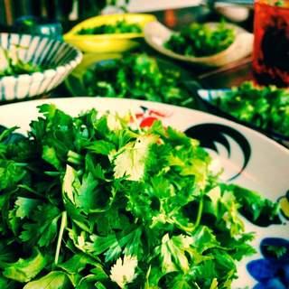 厳選した食材で、タイ料理・沖縄料理をもっと美味しく!