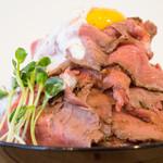 肉バル529 - 自家製ローストビーフ丼