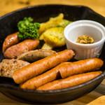 肉バル529 - ソーセージ盛り合わせ