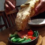神楽坂 ワヰン 酒場 - 温野菜にラクレット