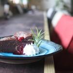 喫茶めがね - 料理写真:濃厚ガトーショコラ。