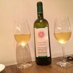 イタリアン アンド ワイン チャコール - ボトル白ワイン