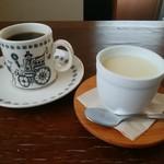 オーガニックカフェ たまりばーる - 料理写真:ホットコーヒー、カスタードプリン