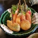 BEAT - 串揚げは6本で、キス・鶏肉・ウインナー・ししとう・海老・ナス