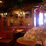 タイ料理レストラン Tha Chang - 怪しい店内ですが開店20周年ですよ