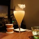 フィナンシェ - ☆梨とオーガニックリンゴジュースのシャンパンカクテル(^◇^)☆