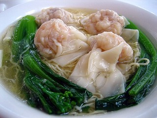 エビス新東記 - シンガポールのワンタンは、具が大きくて、ジューシの肉が特徴!