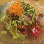 函館 海や - 海鮮サラダ          by冬の花火