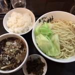 Aoki - 黒つけ麺 中盛+サービスのライスと辛子高菜