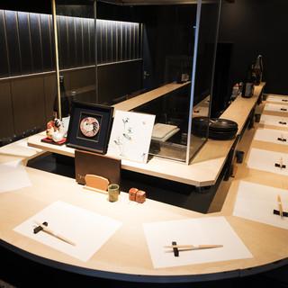 料理人の技を目で見て楽しむ、洗練された和みの空間