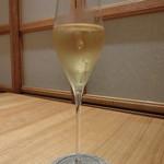 75313904 - シャンパン