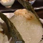 75314468 - おにぎり(サーモン山椒マヨ)(単品¥230) 脂がのったサーモンと香り豊かな山椒マヨネーズ